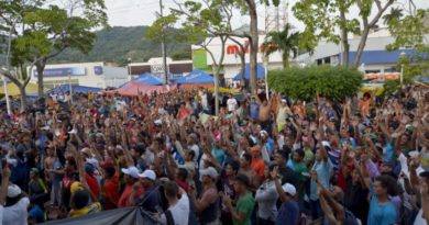 La asamblea en Arriaga decide rechazar la propuesta de EPN y avanzar a Ciudad de México. Foto: Tragameluz